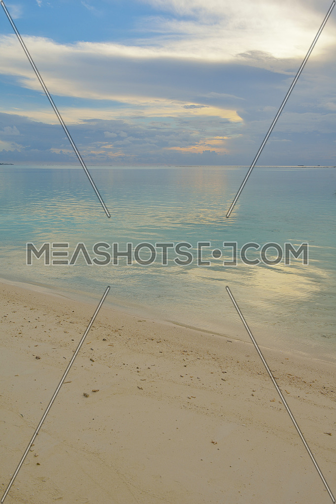 tropical beach-35823 | Meashots