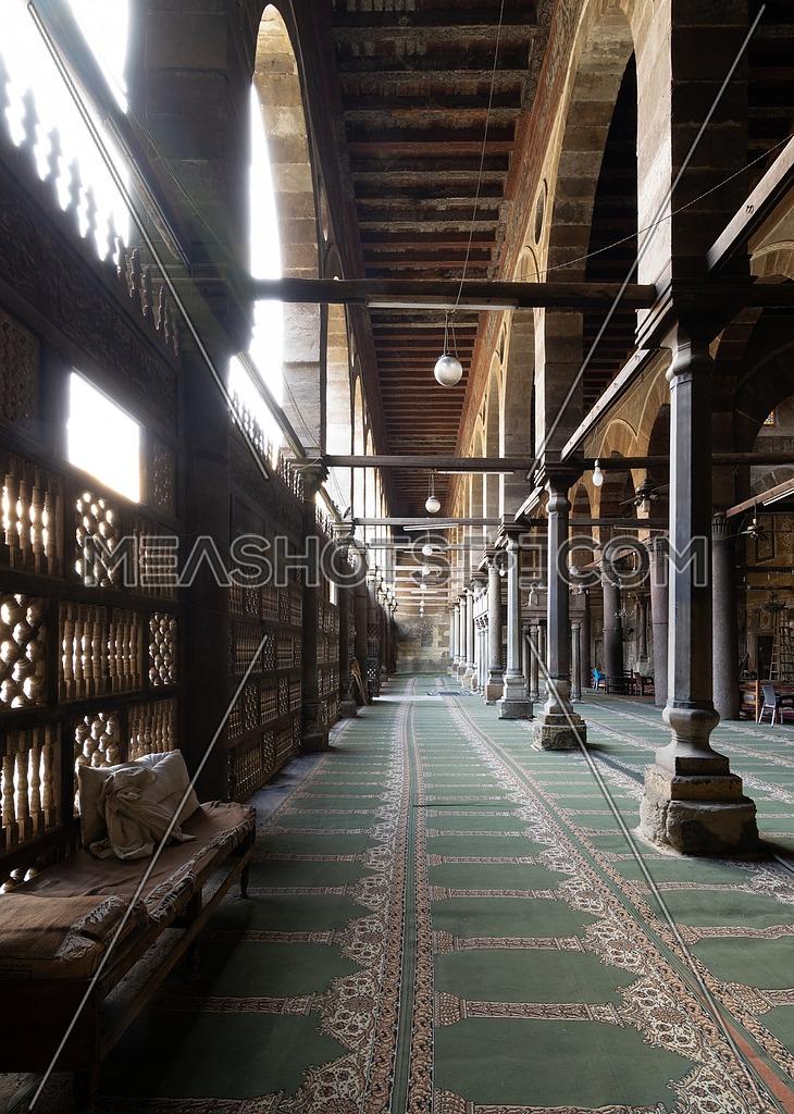 Corridor at public historic mosque of Amir Al-Maridani with wooden arabisk wall - Mashrabiya, Cairo, Egypt