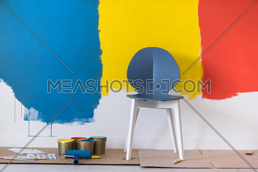 Empty Chair And Equipment For Painting 134556 Meashots