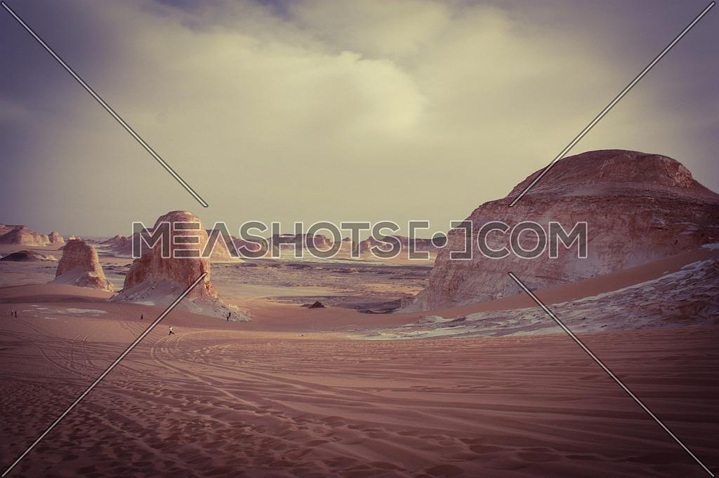 Frozen Desert ; White Desert, Farafra Oasis el-Sahara el-Beida, the area to the north-east of Qasr el-Farafra, Egypt,