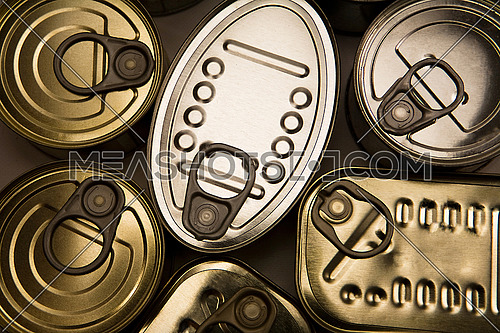 Different types of canned cans, conceptual image