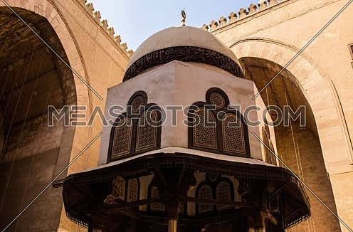 Timelapse inside Sultan Hassan Mosque in Cairo at day