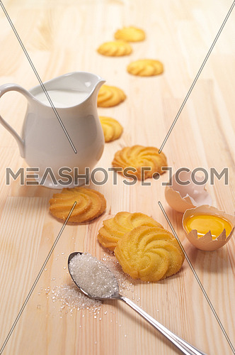 making baking simple cookies with fresh ingredient at home