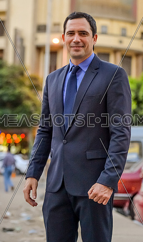 tunisian actor dhafer al abdeen during a photoshoot in the street on 6 July 2015 الممثل التونسي ظافر العابدين