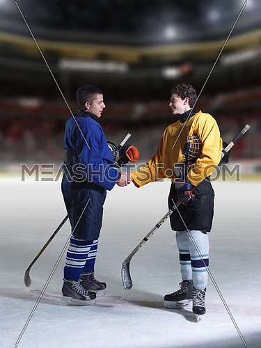 ice hockey sport players comptetition concpet