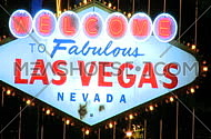 Welcome to Vegas sign at night - fast zoom in (4 of 4)