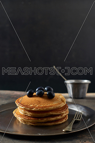 Pan Cakes with black current