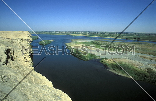 the euphrates river near the city of Deir ez zur in the east of Syria in the middle east