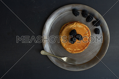 Pan Cakes with black berries