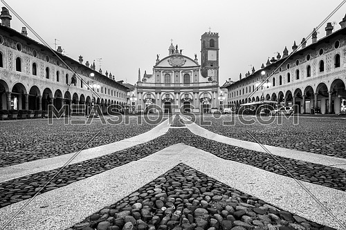 Ducale square Vigevano Black and white