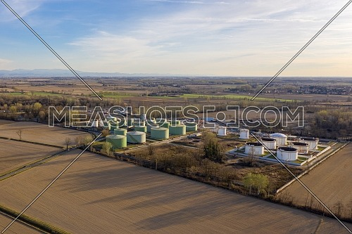 Aerial view of oil storage with a storage capacity of approximately 220,000 cubic meters, storage and handling services for petroleum products.