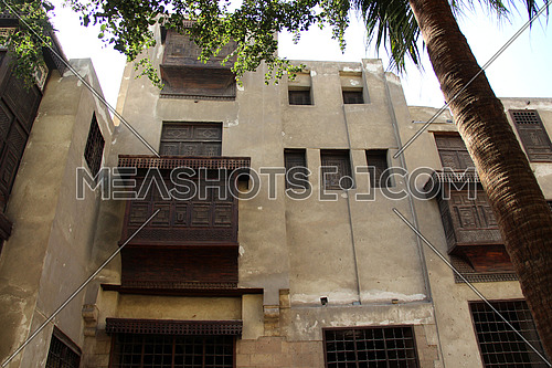a photo for a historical house owned by one of the army commanders during ancient Islamic history in old Cairo showing the special architecture used