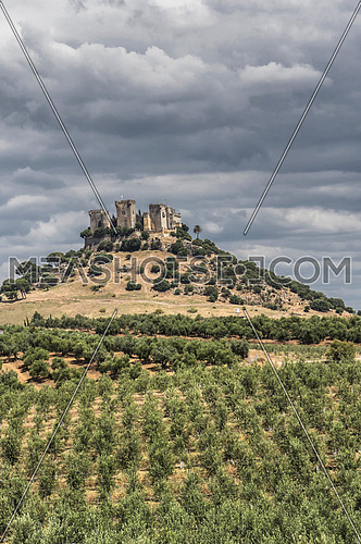 Castle of Almodovar del Rio, It is a fortitude of Moslem origin, it was a Roman fort and the current building has definitely origin Berber, of the year 760, Between the year 1901 and 1936 was restored by its owner, Almodovar del Rio, Spain
