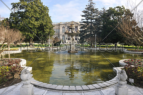 visit turkey istambul most famous place dolmabahche royal sultan palace museum
