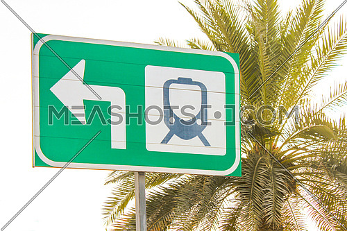 A metro sign in Dubai