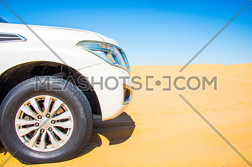 An SUV 4X4 in the desert
