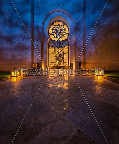 Shaeikh Zayed Grand Mosque gate at night