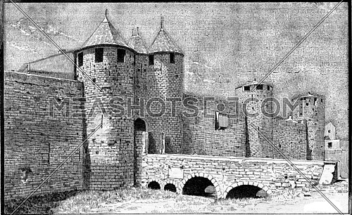 Carcassonne, The city, the castle (main entrance), vintage engraved illustration. Dictionary of words and things - Larive and Fleury - 1895.