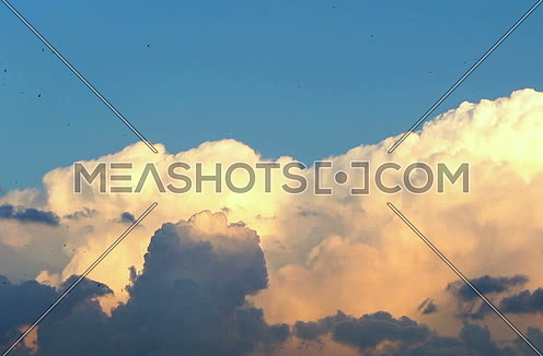 Fluffy Clouds in The Sky Timelapse