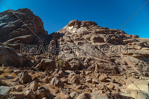 Long shot for Sinai Moutain at day