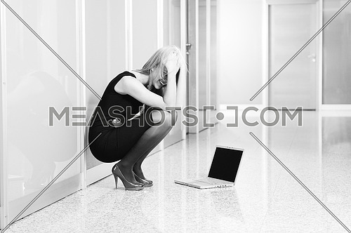 young woman business problem laptop