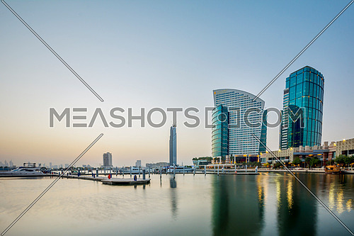 Dubai Mall bay