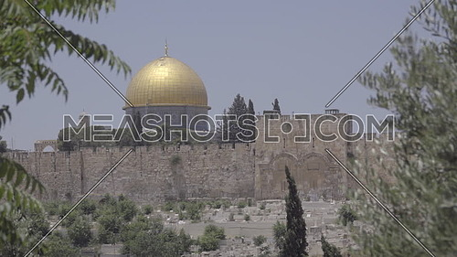 Quick pan to pan down to the Dome of the Rock shrine