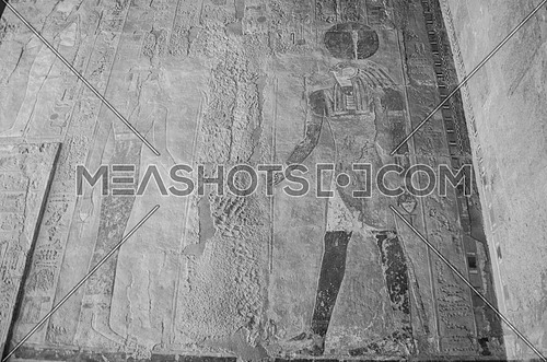 old pharaoh drawings and hieroglyphics writings of king and queen in black and white