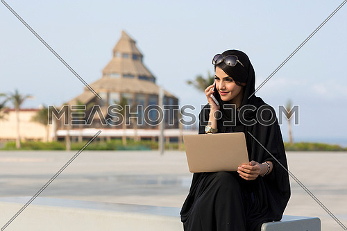 Business lady working in public 3