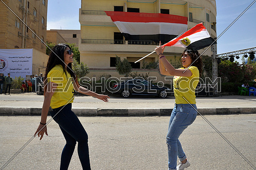 Egyptian voters vote in the 2018 Egyptian presidential elections in new cairo on the first day of the elections 26 March 2018, which lasts for 3 days