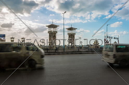 Fixed medium shot for traffic on Stanly Bridge at Alexandria at day