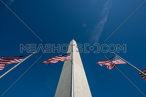 Washington monument during the day with clear sky
