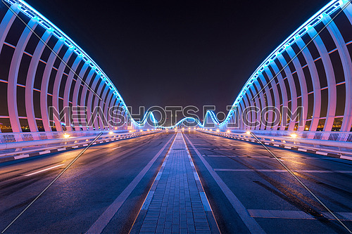 Meydayn Bridge in Dubai with a natural architectural mirror