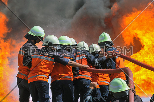 fire fighterس during safety operation in Cairo, Egypt, on April 15, 2017 during explosion in the area of New cairo, killing one person