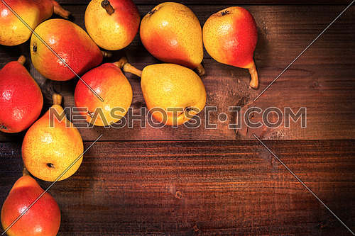 In the picture a set of pears  \
