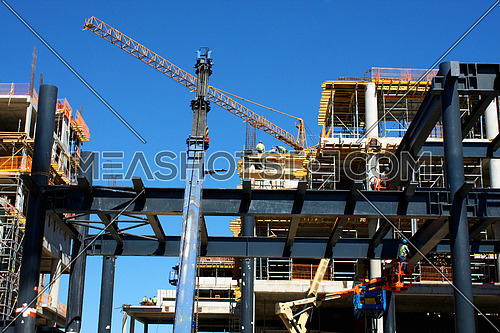 large building-site, super-.wide perspective
