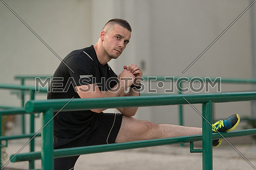 Fitness Instructor Portrat Outdoors Doing Streching Exercises