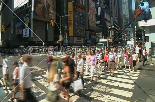 timelapse pedestrian crossing in New York