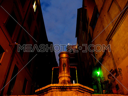 Fontana delle tre cannelle in  the night