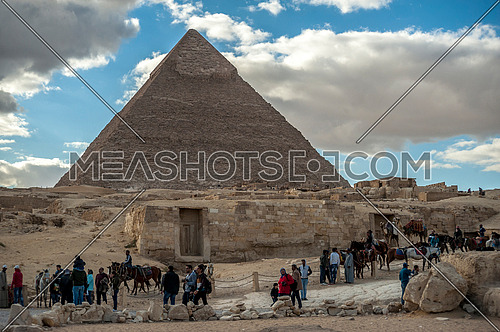 tourists visiting the Pyramids of Giza - The greatness of the Egyptian civilization  أهرامات الجيزة عظمة الحضارة المصرية